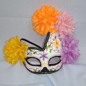 ⭐🎃 Floral Mardi Gras Halloween Mask NWT